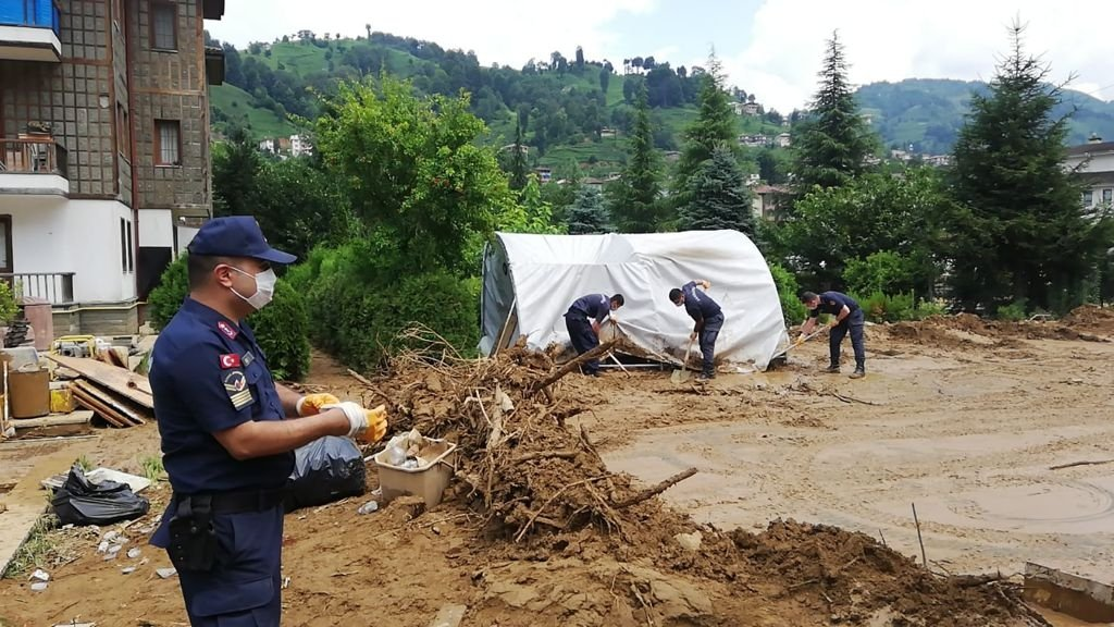 Fresh floods and landslides claimed six lives in the Rize province, part of Turkey's flood-prone Black Sea region. (AA Photo)