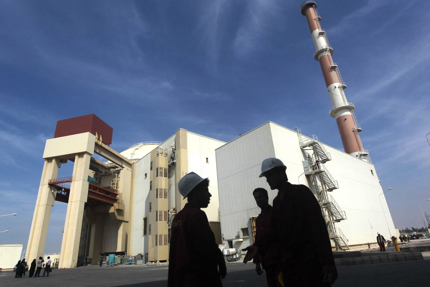 The reactor building at the Russian-built Bushehr nuclear power plant in southern Iran, located 1,200 kilometers (745 miles) south of Tehran, Iran, Oct. 26, 2010. (AFP Photo)