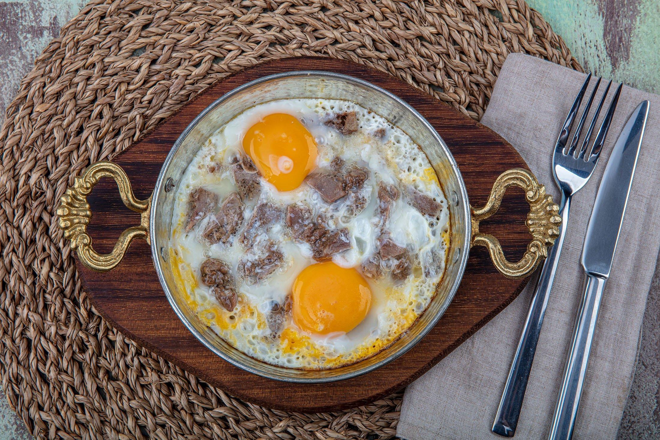 Turkish scrambled eggs with kavurma. (Shutterstock Photo)