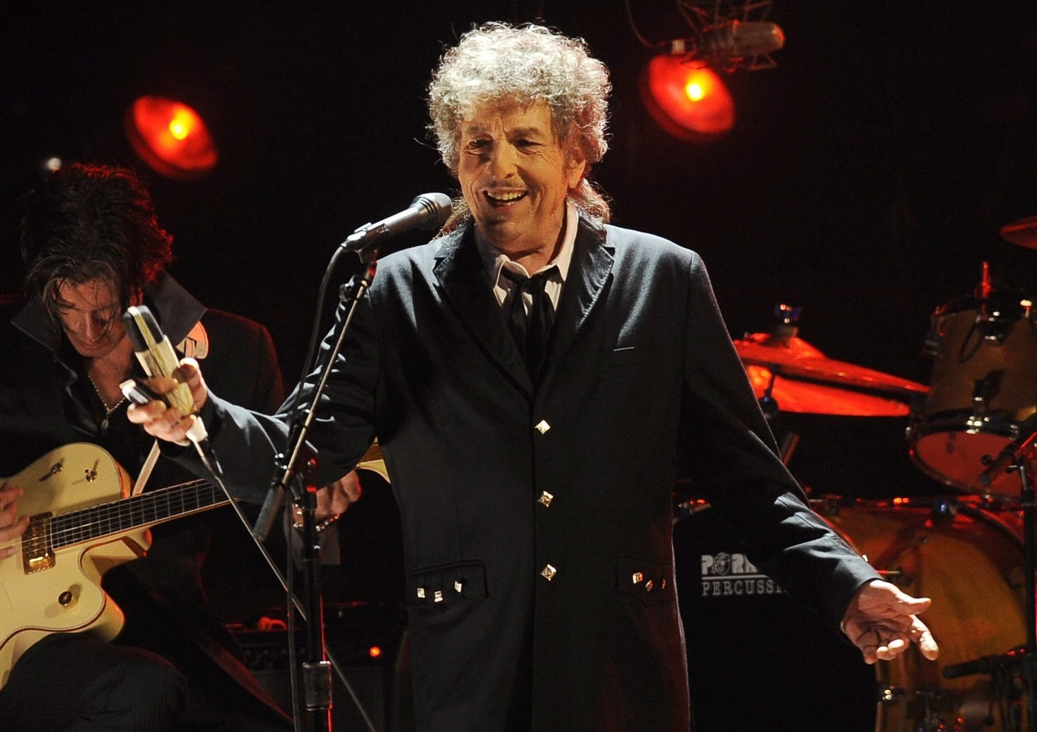 Bob Dylan performs during a concert in Los Angeles, U.S., Jan. 12, 2012. (AP Photo)