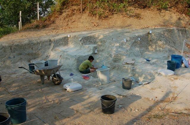 Archaeologists work at the site, in Mustafakemalpaşa, Bursa province, Turkey, July 22, 2021. (IHA Photo)
