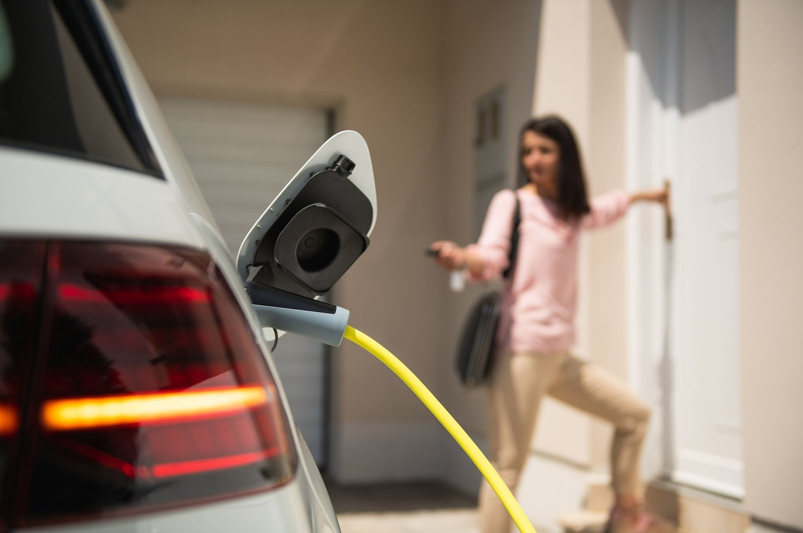 If you want to achieve a greater range with your e-car, you should use the accelerator pedal wisely. (Shutterstock Photo)