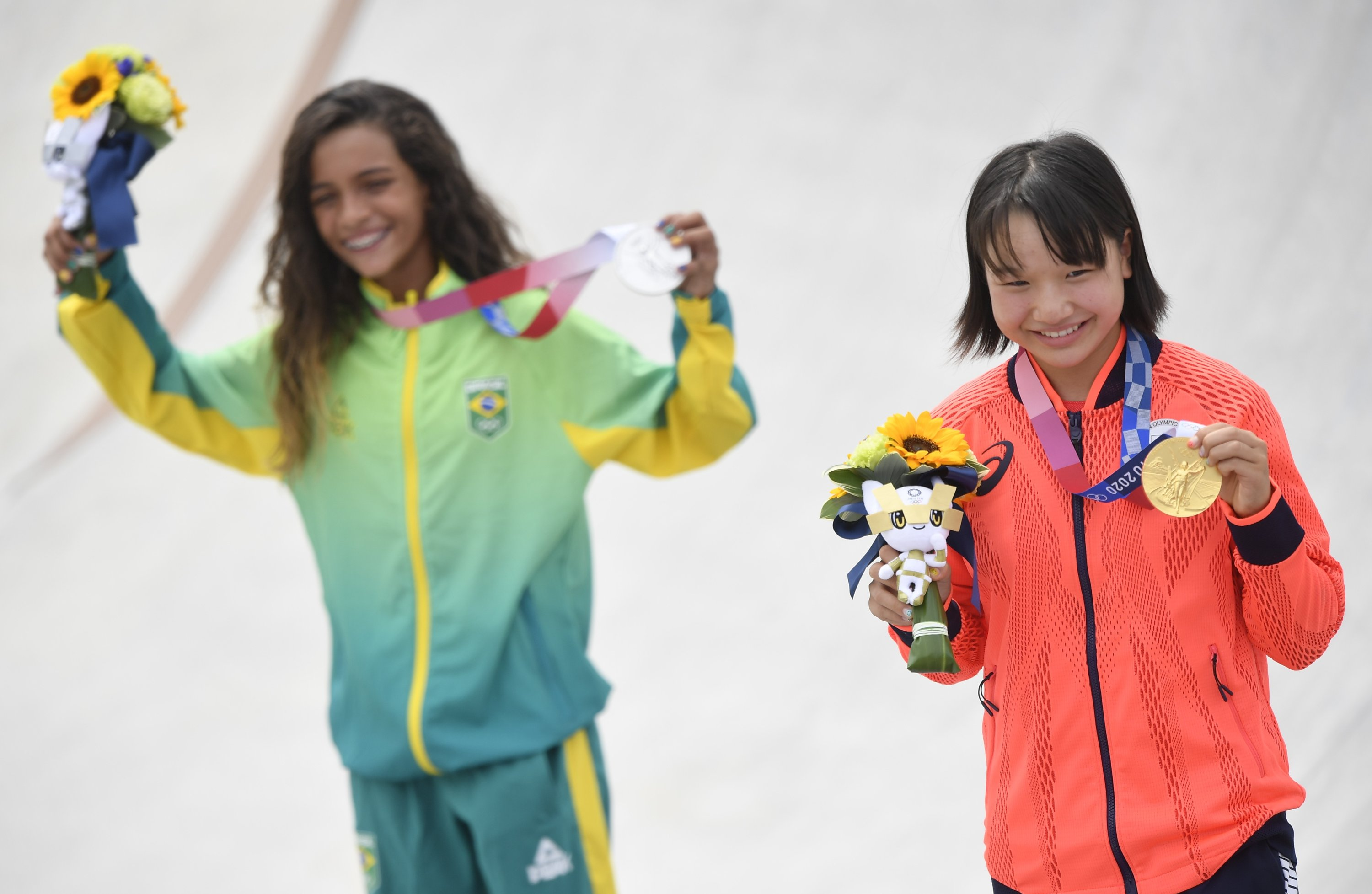 Brazil's Rayssa Leal and Japan's Momiji Nishiya pose with their medals during the medal ceremony for Tokyo 2020 Olympics Women's Street Skateboarding at the Ariake Urban Sports Park, Tokyo, Japan, July 26, 2021. (Reuters Photo)