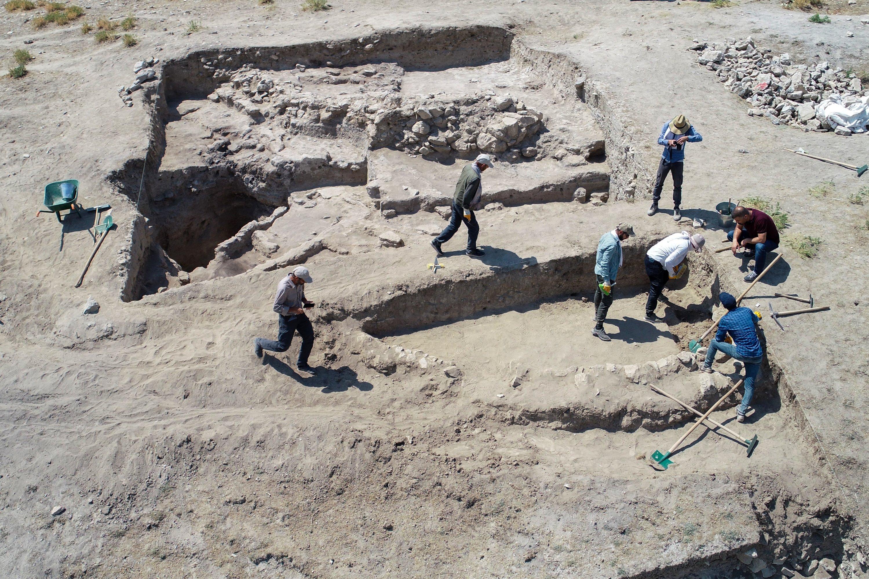 Archaeologists work on the Iremir Mound, Van, eastern Turkey, June 26, 2021. (AA Photo)