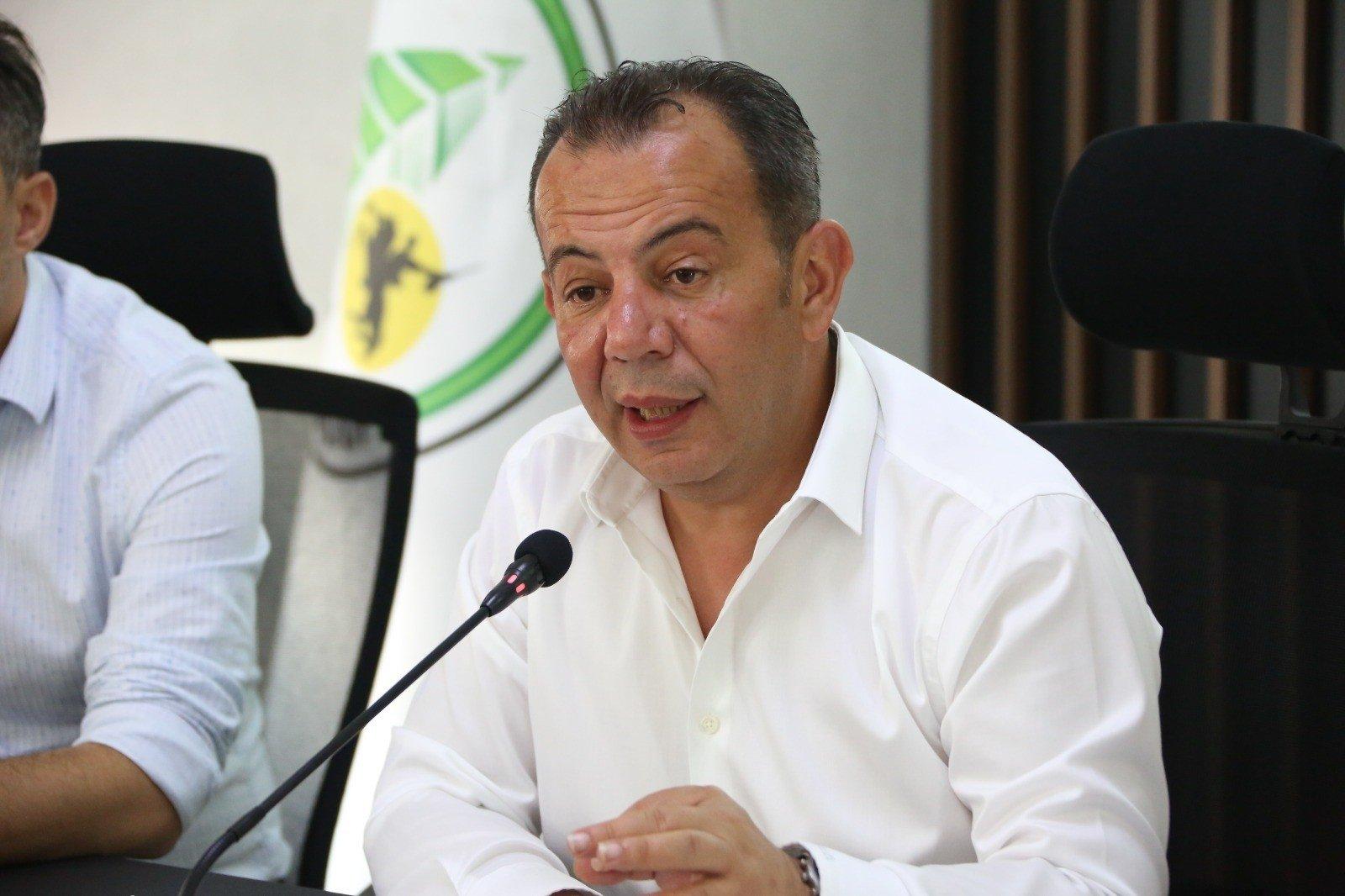Bolu Mayor Tanju Özcan speaks at a press conference, Bolu, northern Turkey, July 26, 2021. (İHA Photo)