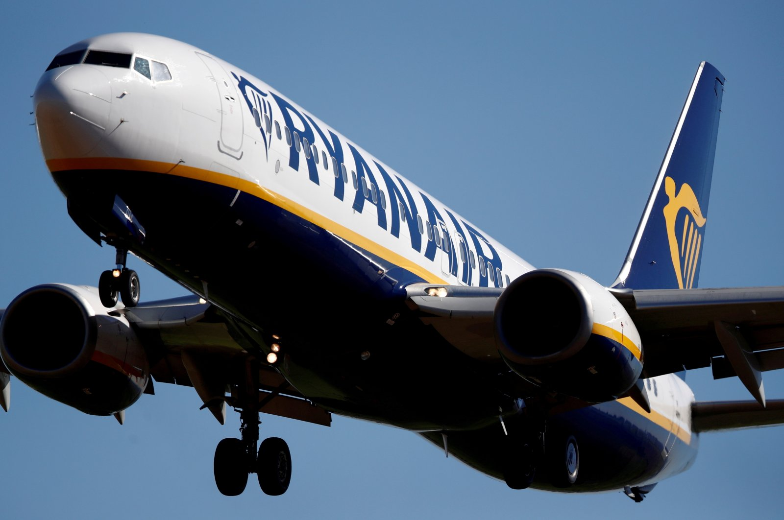 A Ryanair Boeing 737-800 aircraft approaches Paris-Beauvais airport in Tille, northern France, Sept. 27, 2018. (Reuters Photo)