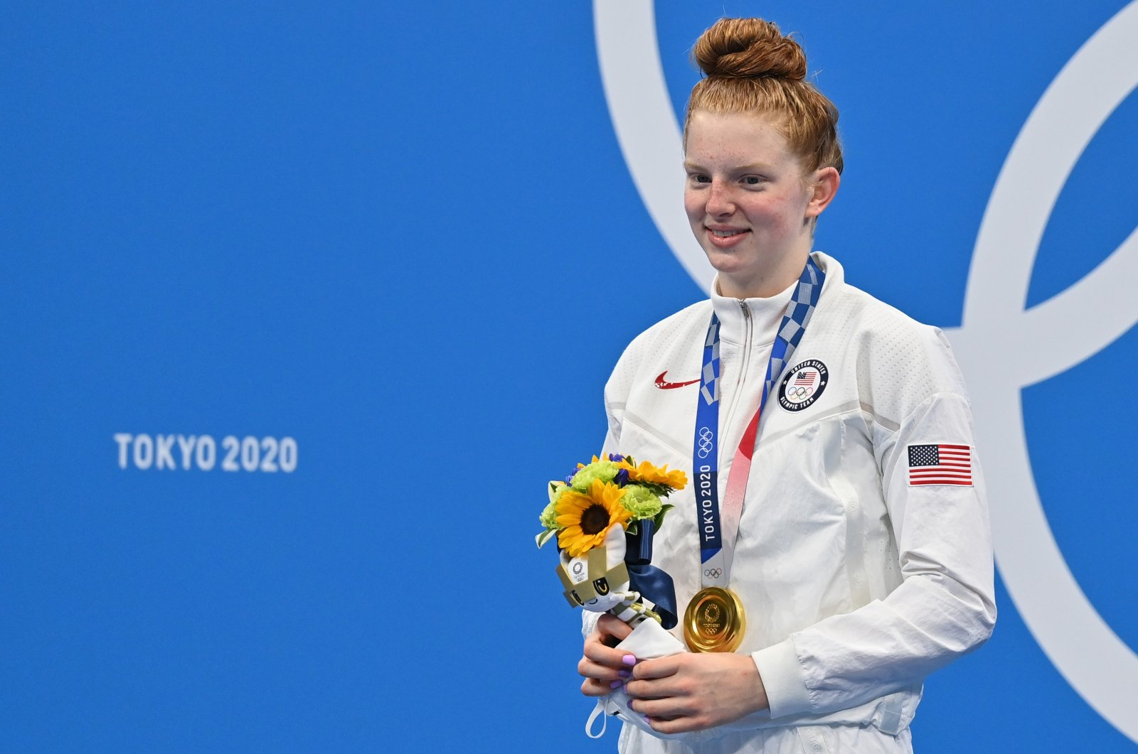 U.S.'s Lydia Jacoby poses on the podium after the final of the Tokyo 2020 Olympic Games women's 100-meter breaststroke swimming event at the Tokyo Aquatics Centre, Tokyo, July 27, 2021. (AA Photo)