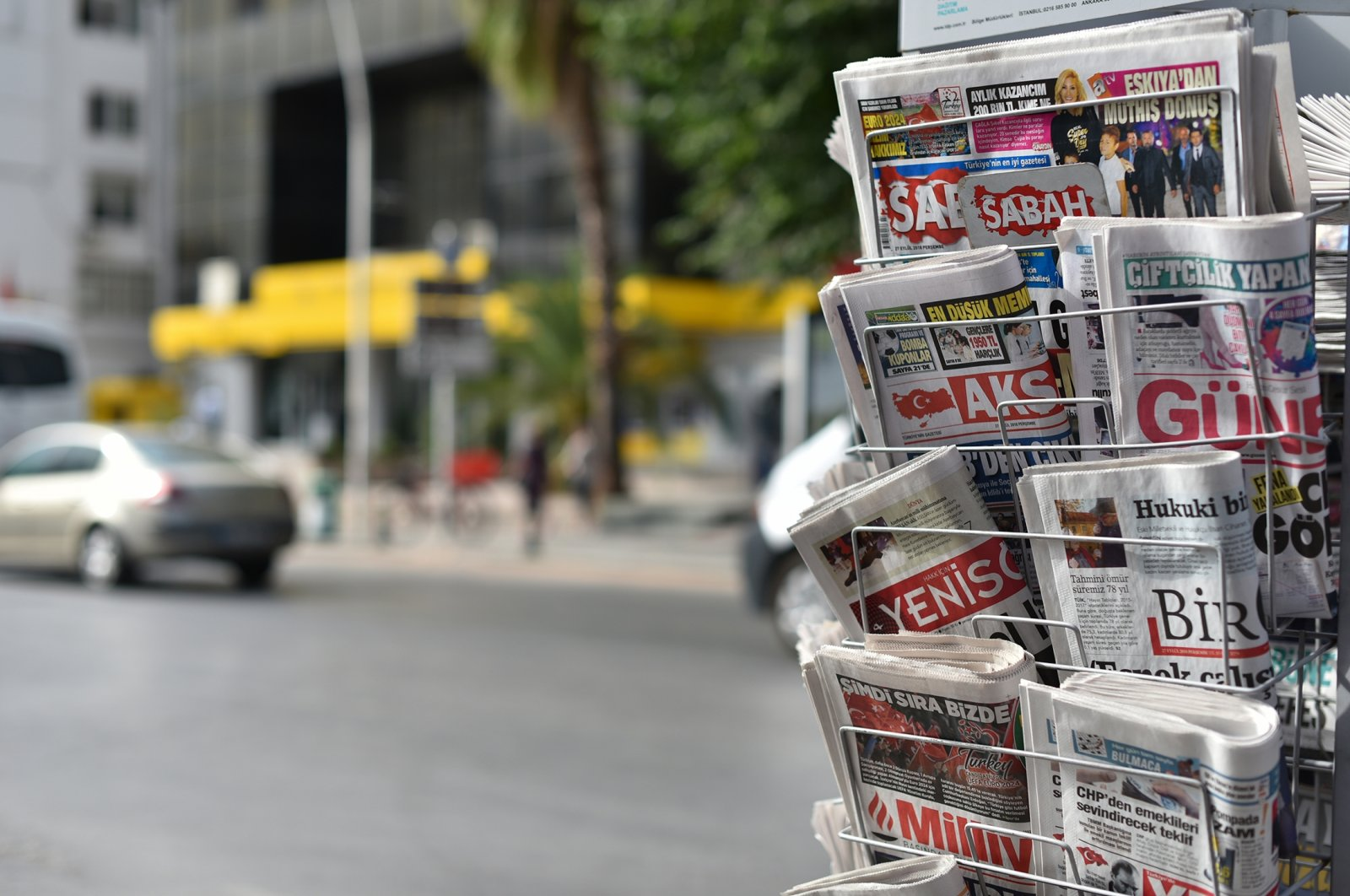 Newspapers on a stand, in Antalya, southern Turkey, Sept. 27, 2018. (Shutterstock Photo)