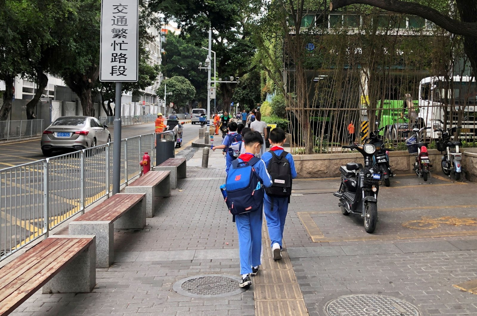 Children leave a school in the Shekou area of Shenzhen, Guangdong province, China, April 20, 2021. (Reuters Photo)