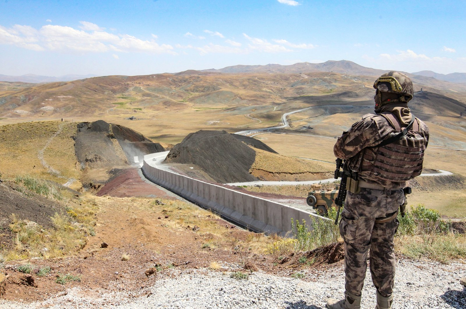 A Turkish soldier is seen at the border between Turkey and Iran, July 27, 2021 (AA Photo)