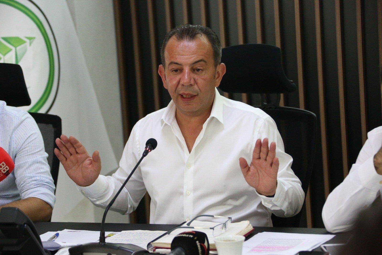 Bolu Mayor Tanju Özcan speaks at a press conference, Bolu, northern Turkey, July 26, 2021. (IHA Photo)