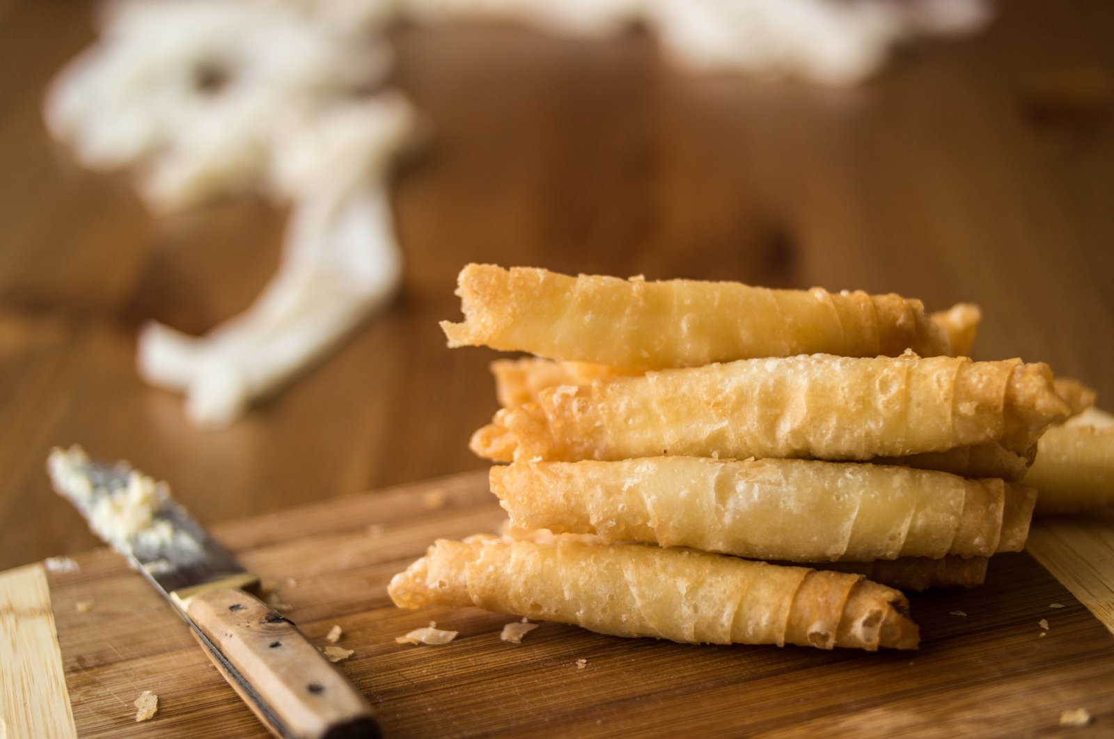 """Turkish cigar-shaped """"börek,"""" a type of layered pastry traditionally filled with cheese or meat. (Shutterstock Photo)"""
