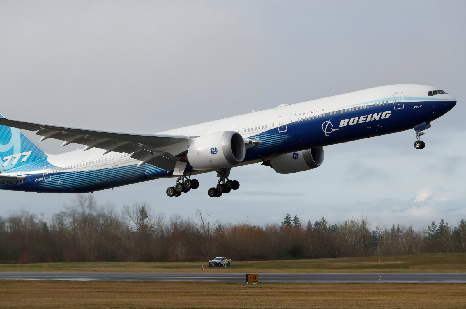 A Boeing 777X airplane takes off during its first test flight from the company's plant in Everett, Washington, U.S., Jan. 25, 2020. (Reuters Photo)