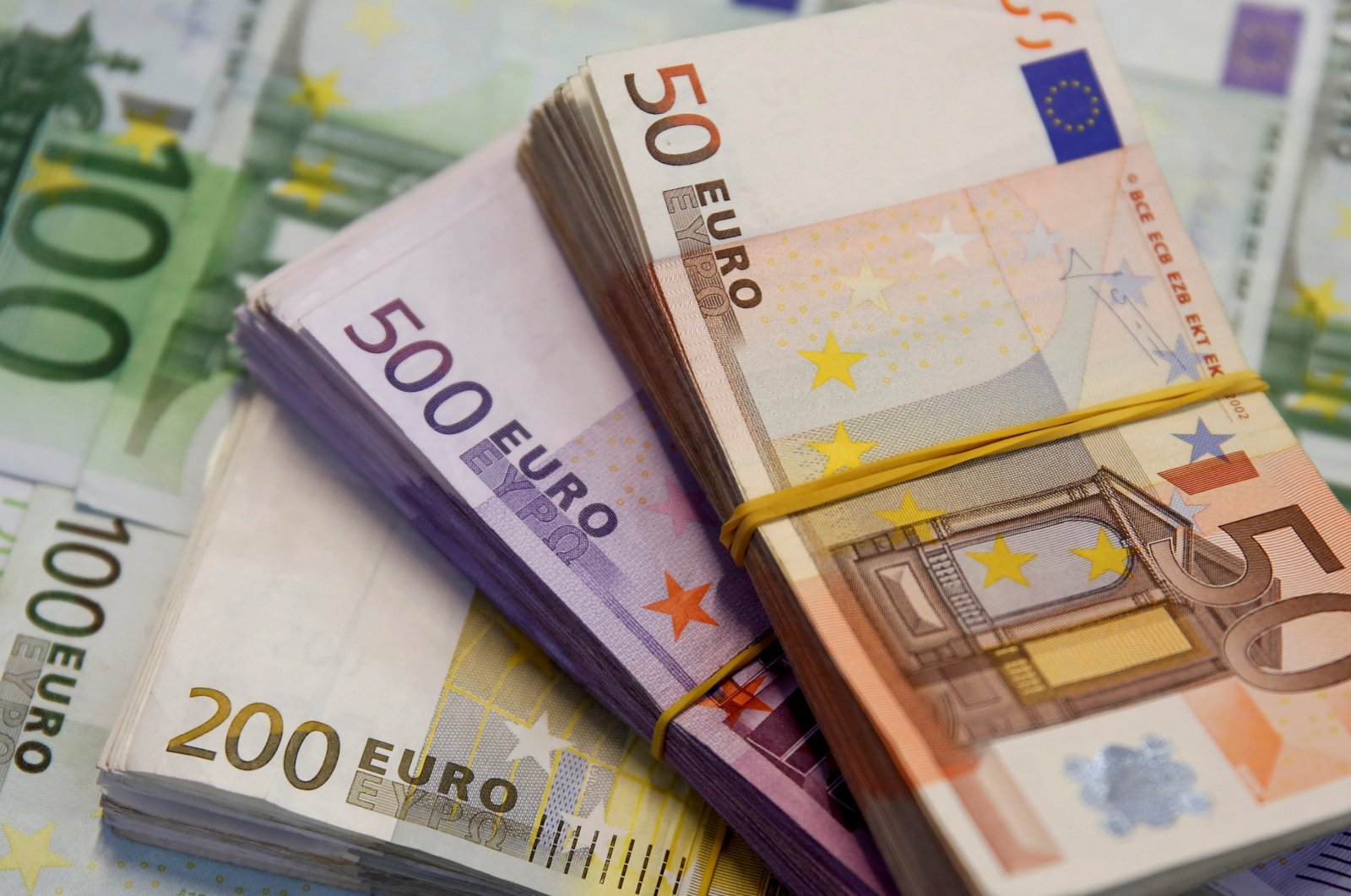 A picture illustration shows Euro banknotes in Zenica, Bosnia-Herzegovina, Jan. 26, 2015. (Reuters Photo)