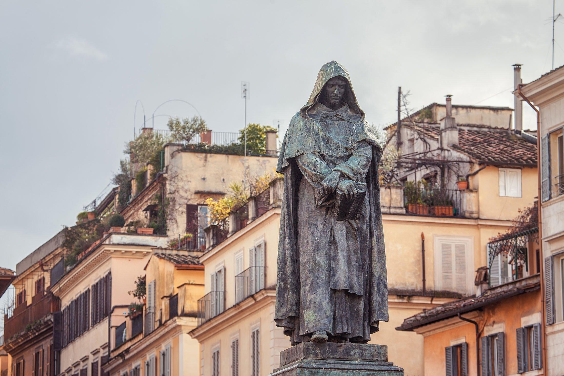 A statue ofGiordano Bruno,Italian Dominican philosopher, cosmological theoristand Hermetic occultist, stands atCampo de