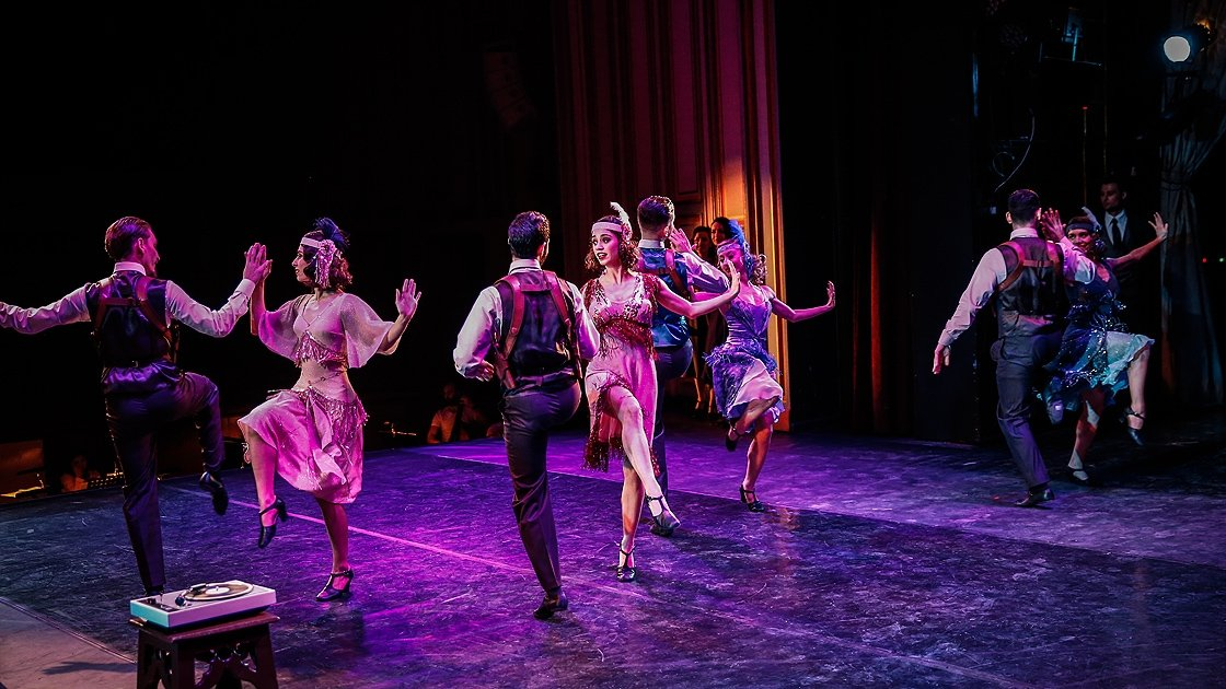 """A scene from the musical's premiere by the Ankara State Opera and Ballet """"Gangster"""" in the capital Ankara, January 11, 2020. (AA Photo)"""