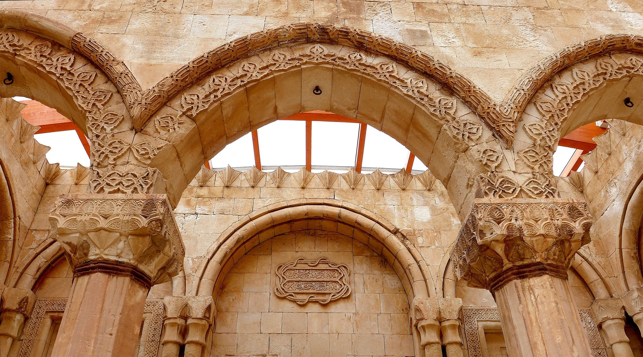 The unique architecture and style of theIshak Pasha Palace can be seen inthe Doğubayazıt district of Ağrı, Turkey. (Shutterstock Photo)