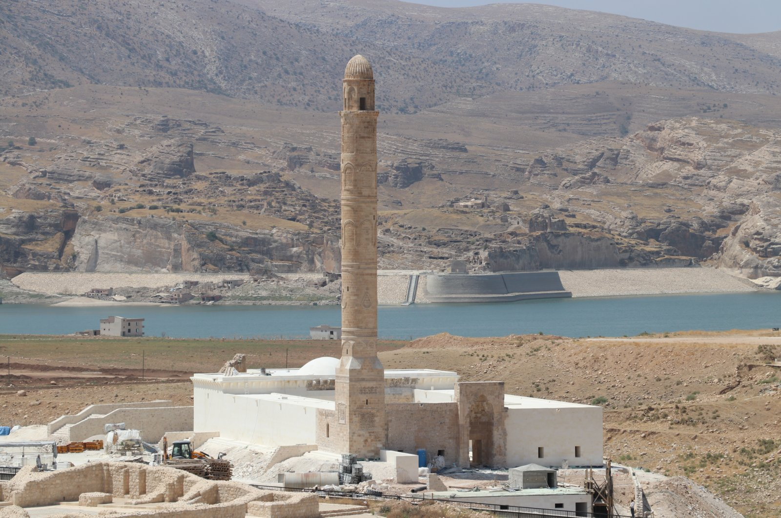 Er Rızk Mosque is among the historical artifacts being relocated from the Hasankeyf district of southeastern Turkey's Batman. (AA Photo)