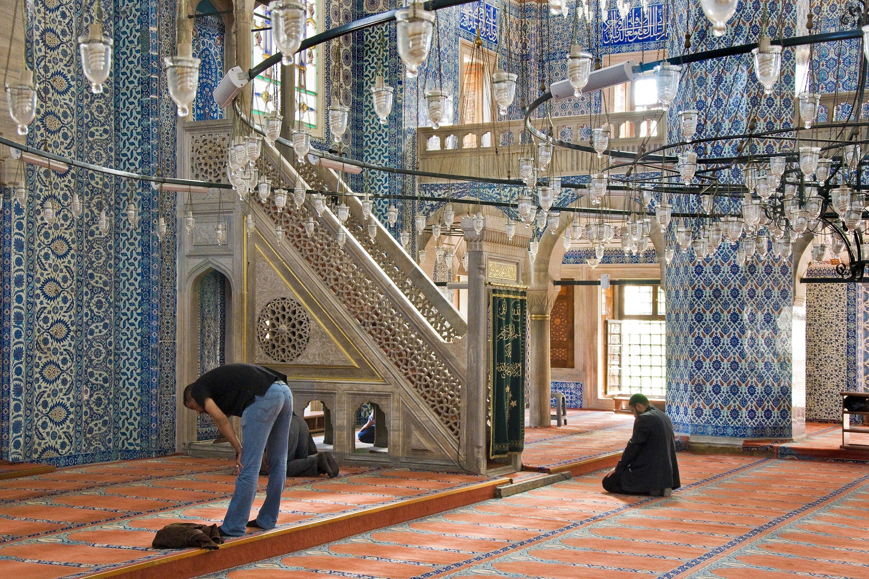 Rüştem Pasha Mosque, in the Rüştem Paşa district, Istanbul. Turkey, Sept. 22, 2013. (Giovanni Mereghetti via Getty Images)