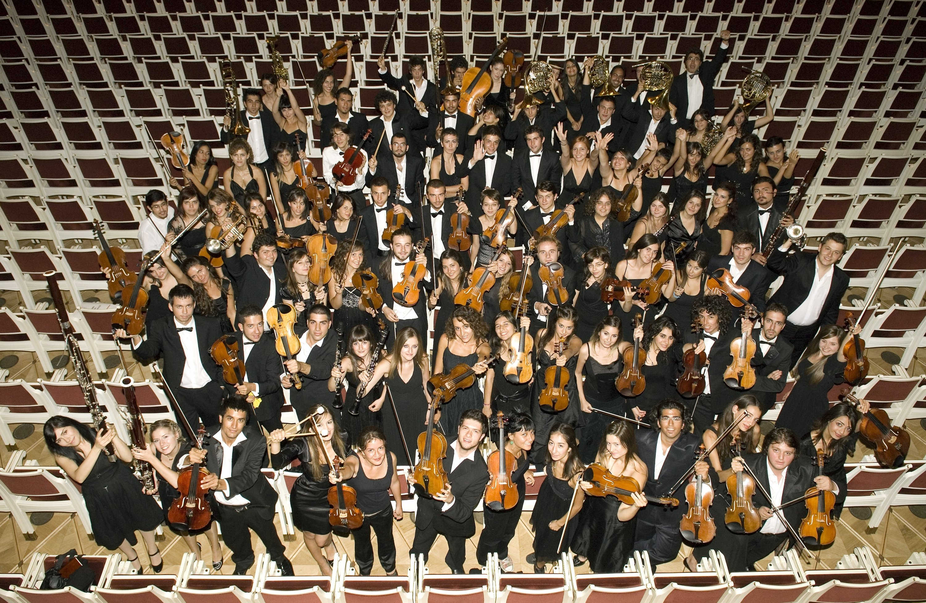 Turkish National Youth Philharmonic Orchestra will perform the opening concert of the 7th Ayvalık Music Festival. (İHA Photo)