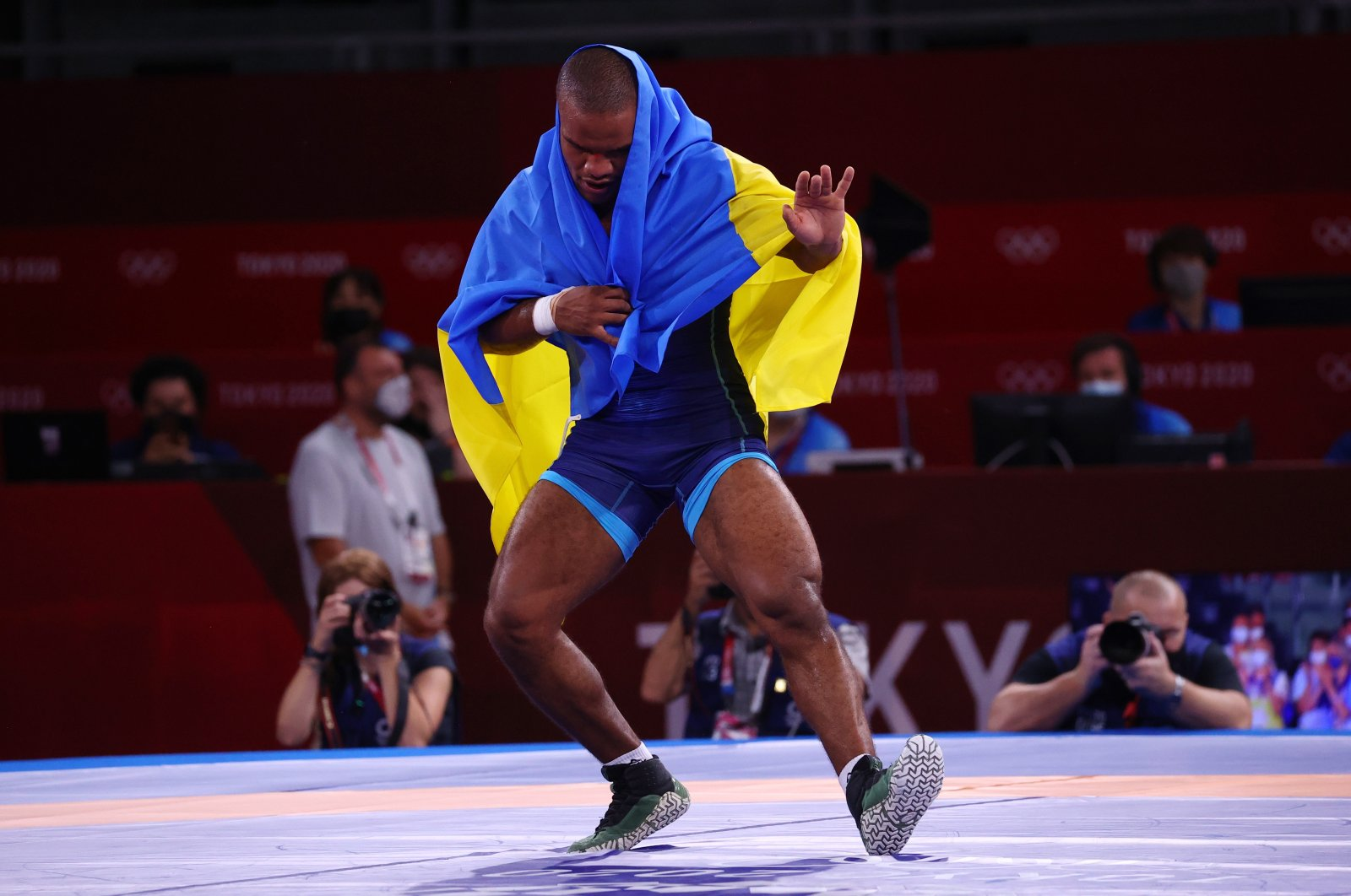 Zhan Beleniuk of Ukraine celebrates after winning gold in men's Greco-Roman 87-kilogram wrestling at the 2020 Summer Olympic Games at the Makuhari Messe event hall in Tokyo, Japan, Aug. 4, 2021. (Reuters Photo)