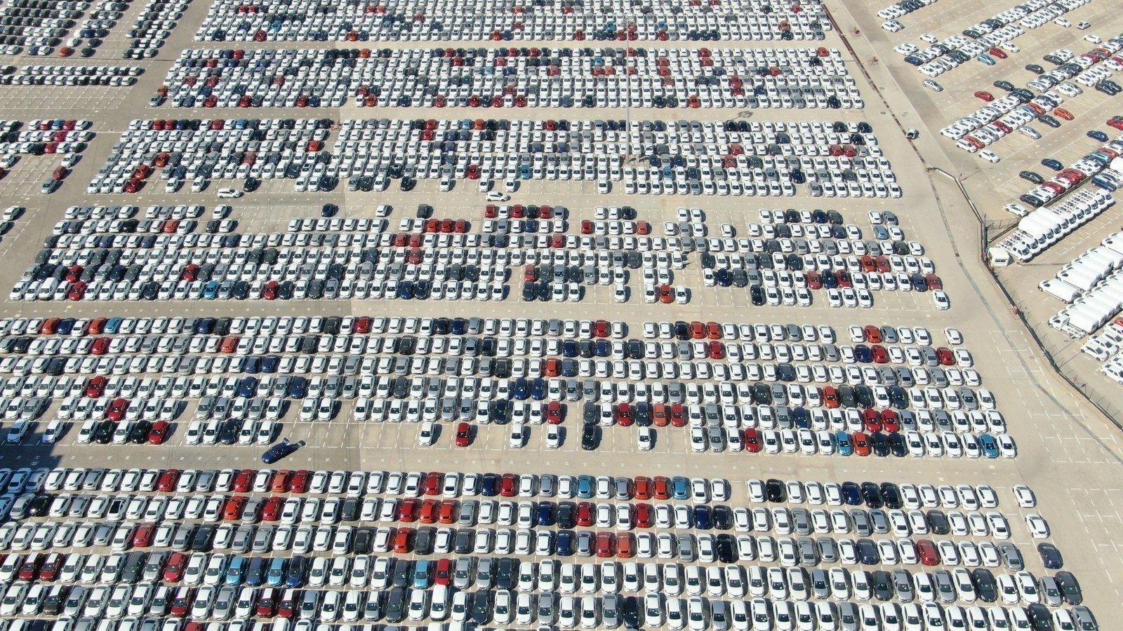 Carss parked at a plant in northwestern Bursa province, Turkey, Oct. 3, 2020. (IHA Photo)