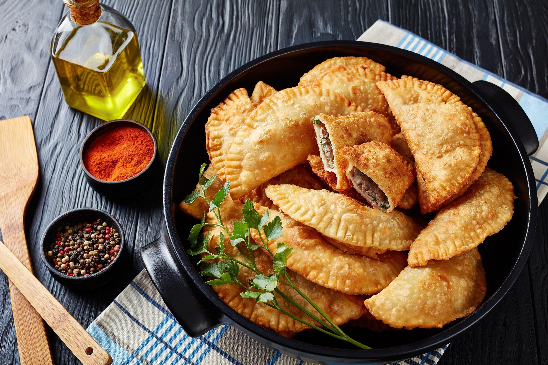 A bowl of fried çiğ börek. (Shutterstock Photo)