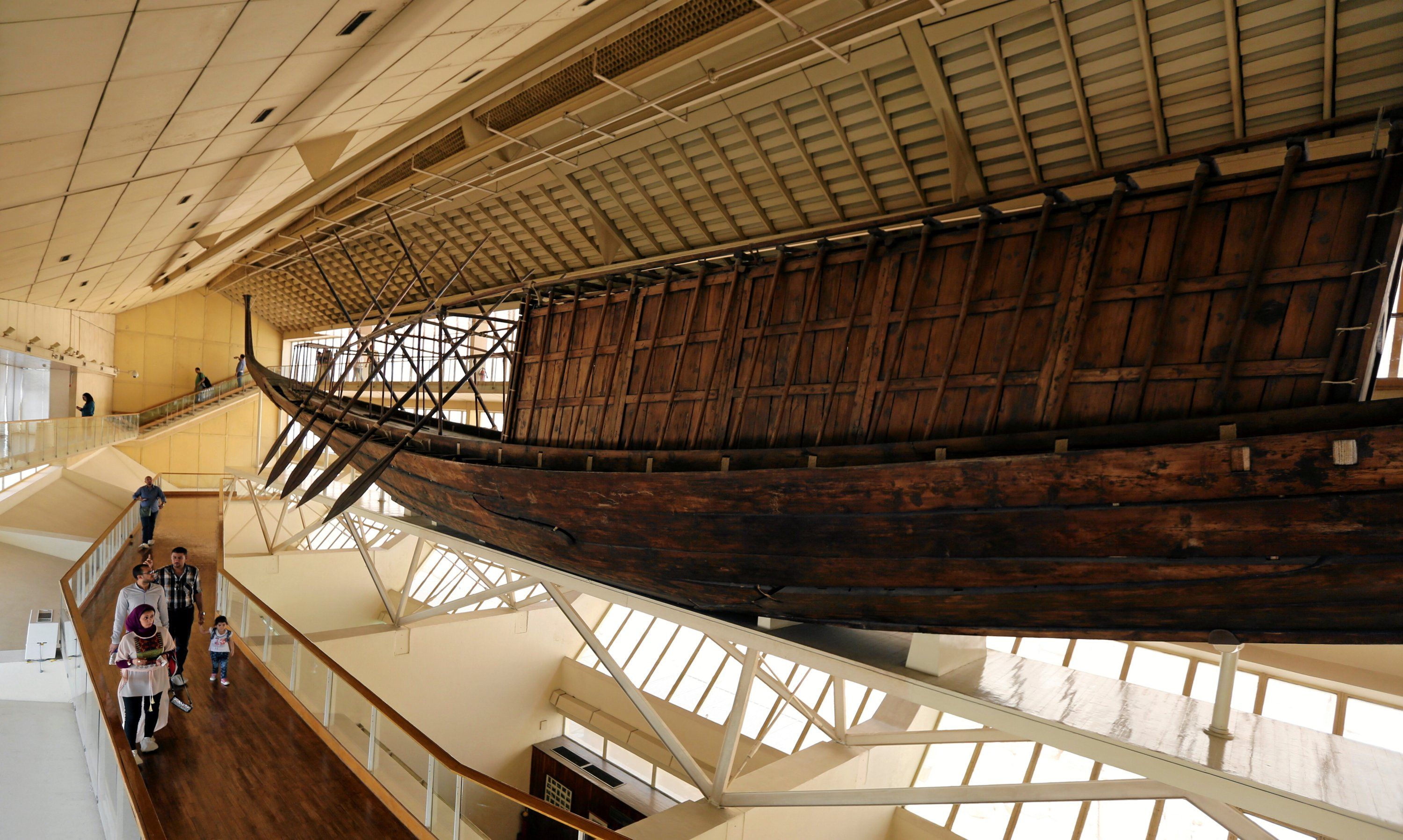 King Khufu's solar boat is displayed at a museum on the northern side of Khufu's Great Pyramid, in Giza, Egypt, Aug. 31, 2016. (REUTERS Photo)