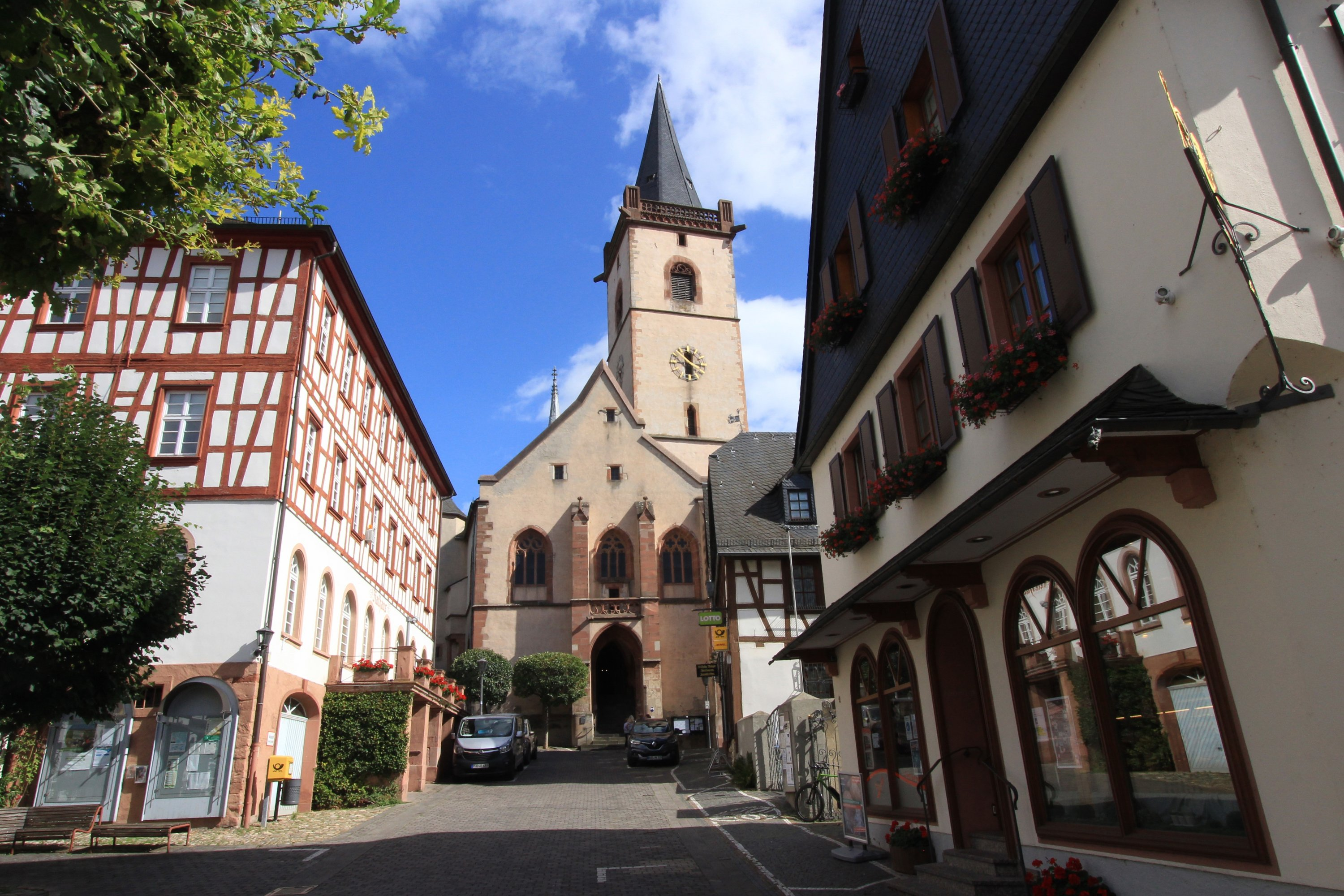 In Lorch, it is worth taking a detour to the market square with its pretty, half-timbered buildings and old church. (DPA Photo)