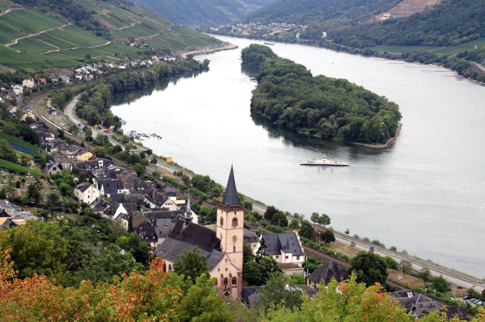 From the Rhein-Wisper-Glück circular trail, the view falls on Lorch am Rhein. (DPA Photo)