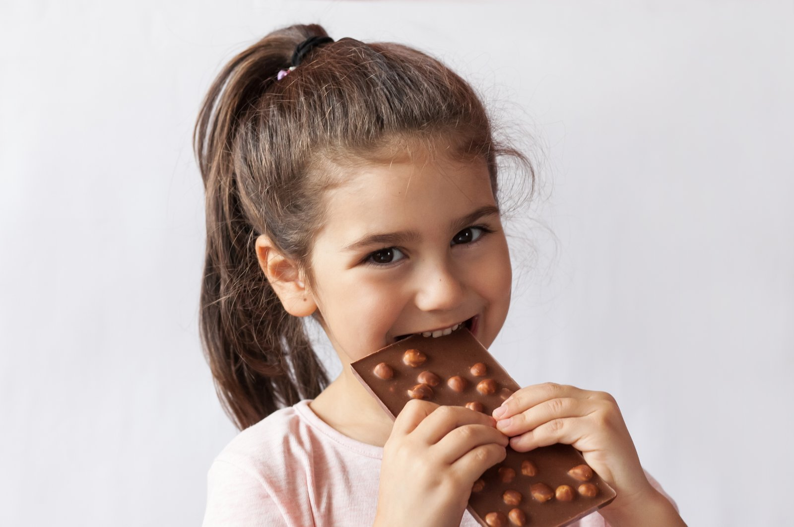 It is possible to satisfy your craving for sweets without eating too much sugary food. (Shutterstock Photo)