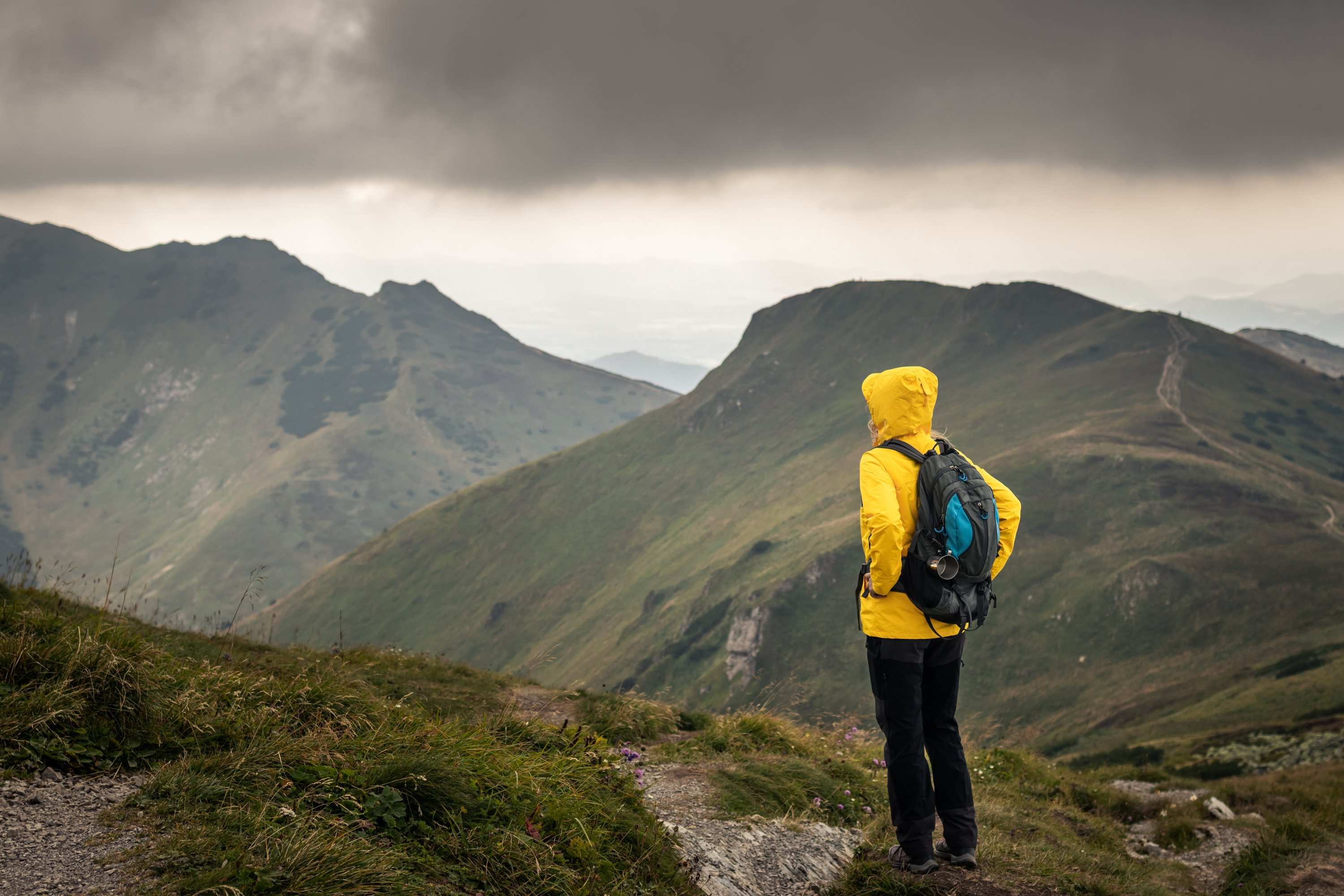 If you are hiking and get caught in bad weather, you should under no circumstances stay at the edge of the forest, near free-standing boulders or under free-standing trees. (Shutterstock Photo)