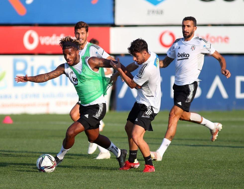 Beşiktaş players attend a training session ahead of Friday's Süper Lig season opener against Rizespor, Istanbul, Turkey, Aug. 11, 2021. (DHA Photo)