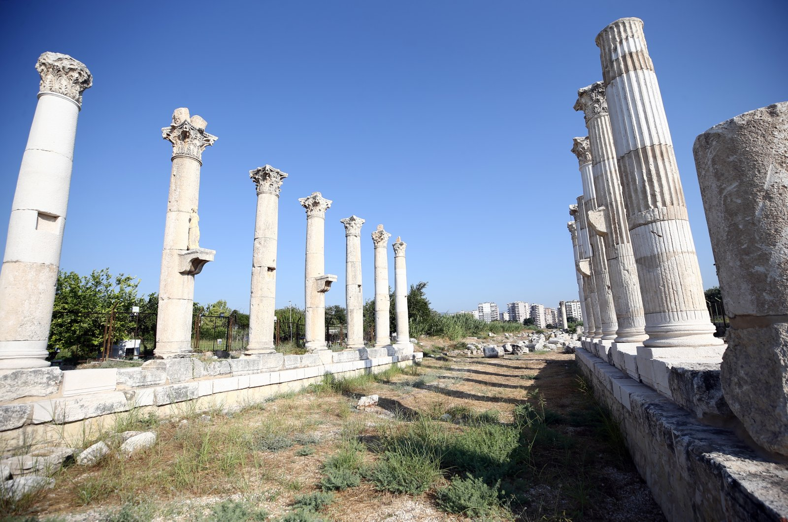 A view from the colonnaded street in the ancient city of Soli‐Pompeiopolis, Mersin, southern Turkey, August 12, 2021. (AA Photo)
