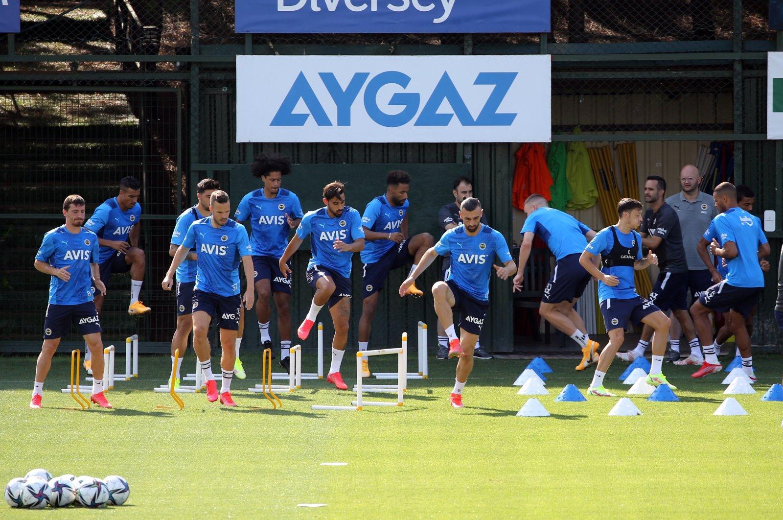 Fenerbahçe players attend a training session at Samandıra Can Bartu Facilities, Istanbul, Turkey, Aug. 7, 2021. (AA Photo)