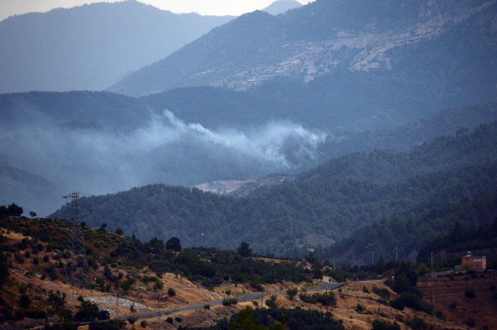 Smoke rises during a forest fire in Onikuşubat district, Kahramanmaraş province, Turkey, Aug. 13, 2021. (AA Photo)