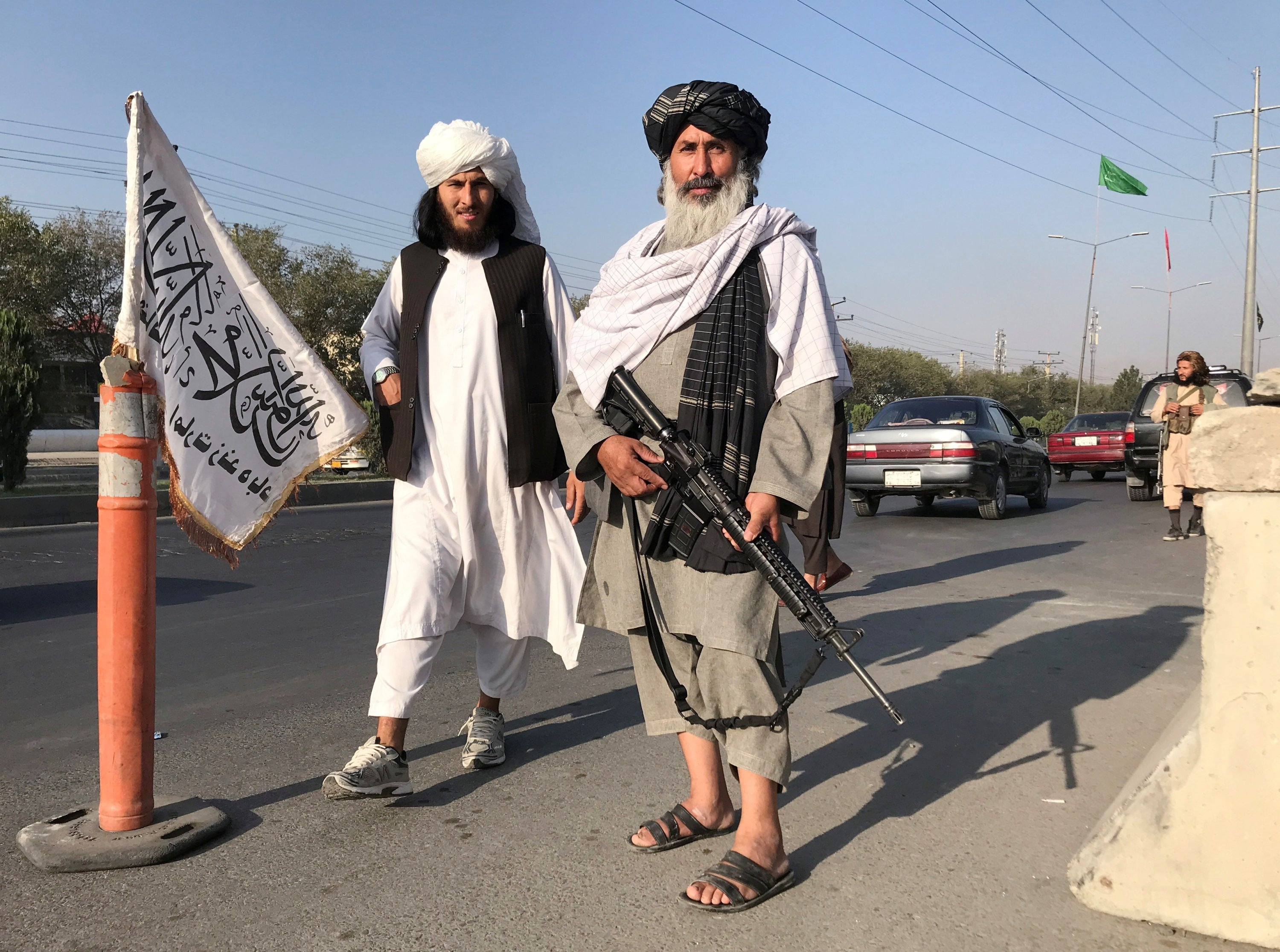Taliban fighters stand outside the Interior Ministry in Kabul, Afghanistan, Aug. 16, 2021. (REUTERS Photo)