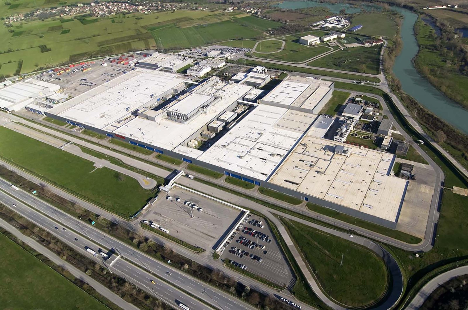 Toyota Motor Manufacturing Turkey's factory in the Adapazarı district of the northwestern Sakarya province is seen in this updated photo. (Courtesy of Toyota Turkey)