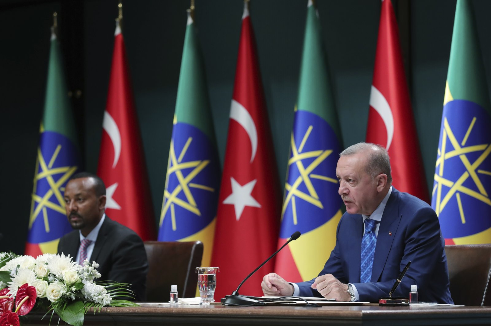 President Recep Tayyip Erdoğan (R) and Ethiopian Prime Minister Abiy Ahmed speak to the media at a joint news conference in Ankara, Turkey, Aug. 18, 2021. (AP Photo)