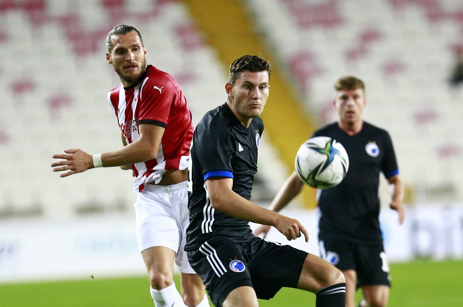 Sivasspor and Copenhagen are seen in action at Yeni 4 Eylül Stadium during the UEFA Europa Conference League playoff match on Aug. 19, 2021 (AA Photo)