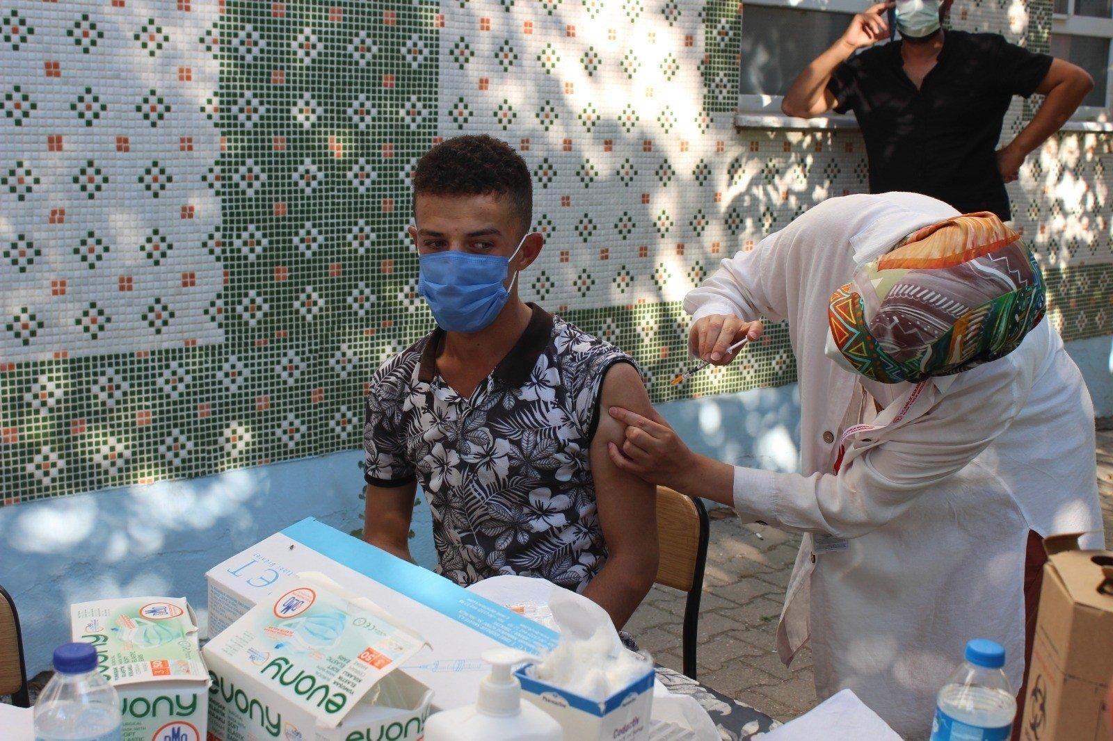 A man gets vaccinated against COVID-19, in Bilecik, western Turkey, Aug. 20, 2021. (IHA PHOTO)