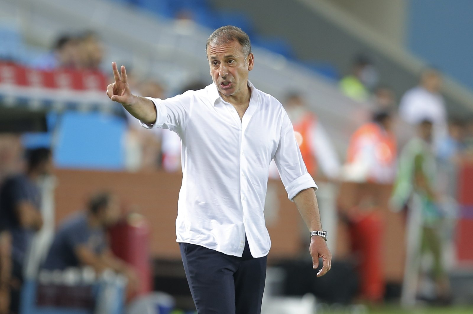 Trabzonspor coach Abdullah Avcı gestures during a Europa Conference League playoff first-leg match against Roma, in Trabzon, Turkey, Aug. 19, 2021. (AP Photo)