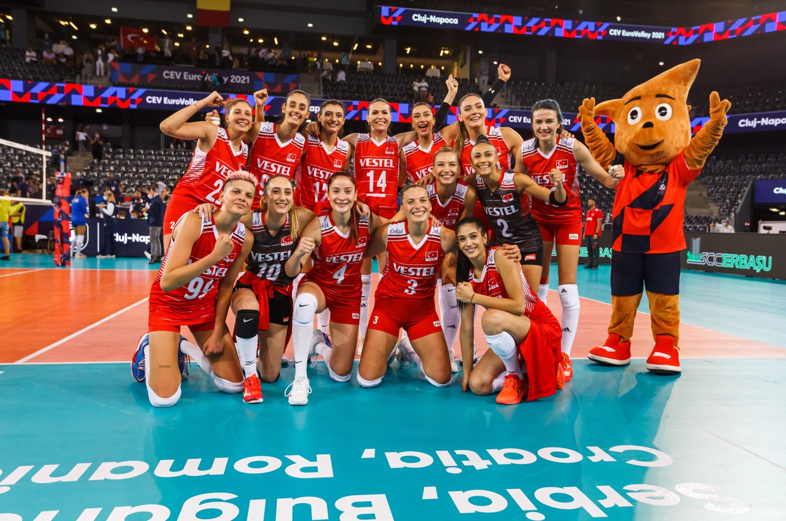 The Turkish women's volleyball team celebrates their win against Ukraine following the CEV European Volleyball Championship Group D match in Cluj Napoca, Romania, Aug. 20, 2021. (Turkish Volleyball Federation via AA)