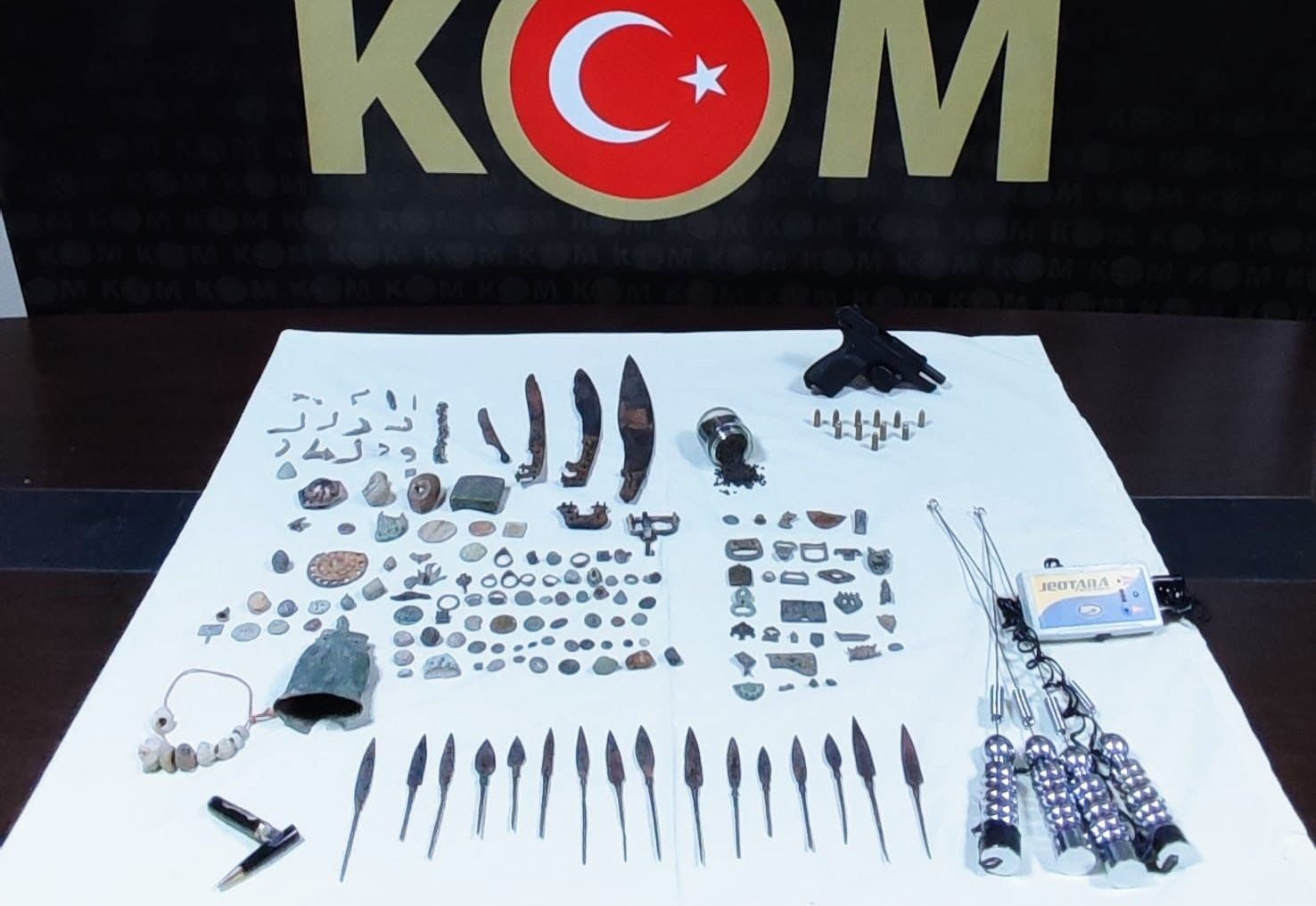 Historical artifacts seized by the police are put on display in southern Mersin province, Turkey, Aug. 22, 2021. (DHA Photo)