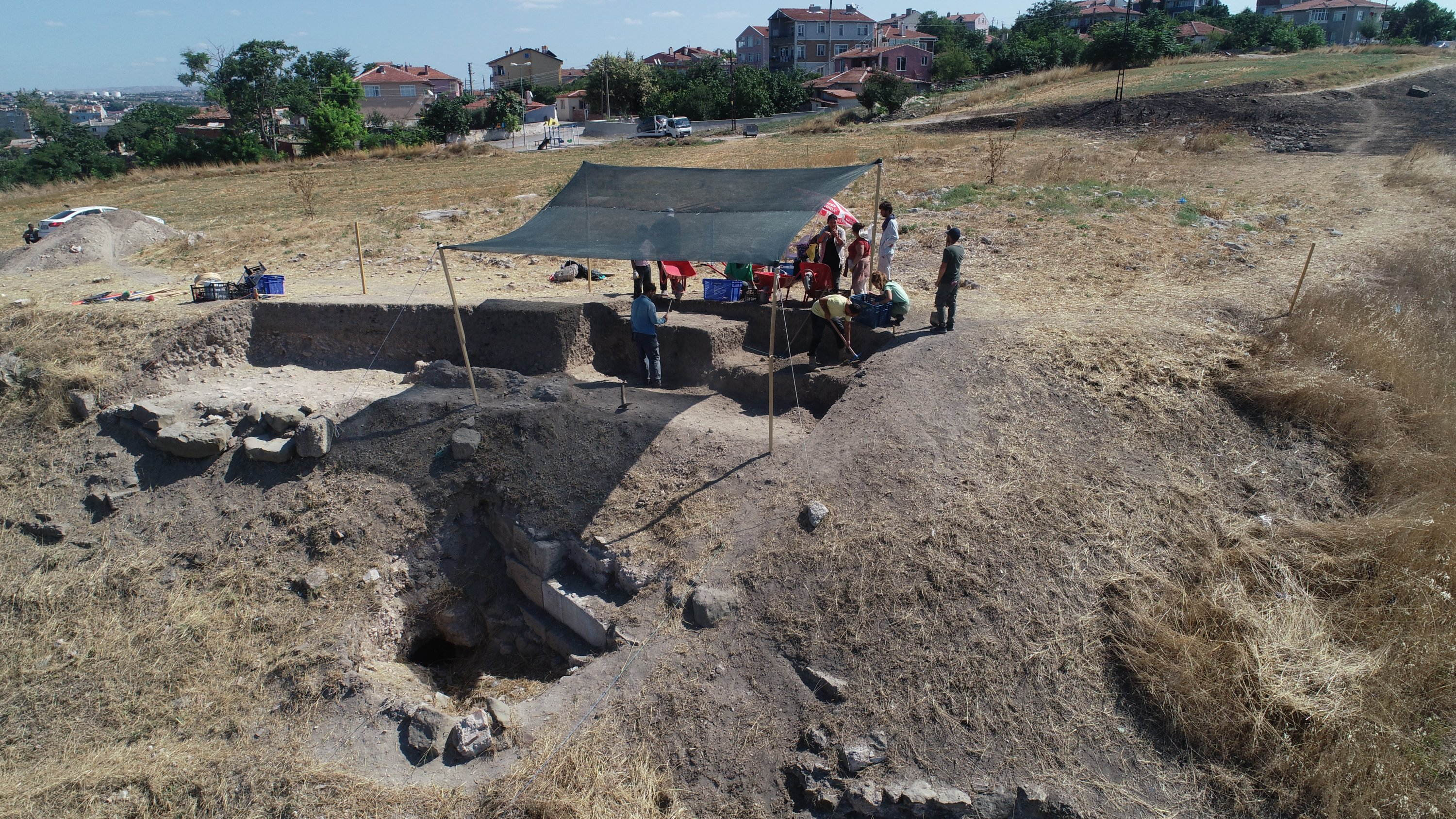 Archaeologists and experts work in the ancient city of Perinthos, Tekirdağ, northwestern Turkey, August 20, 2021. (AA Photo)