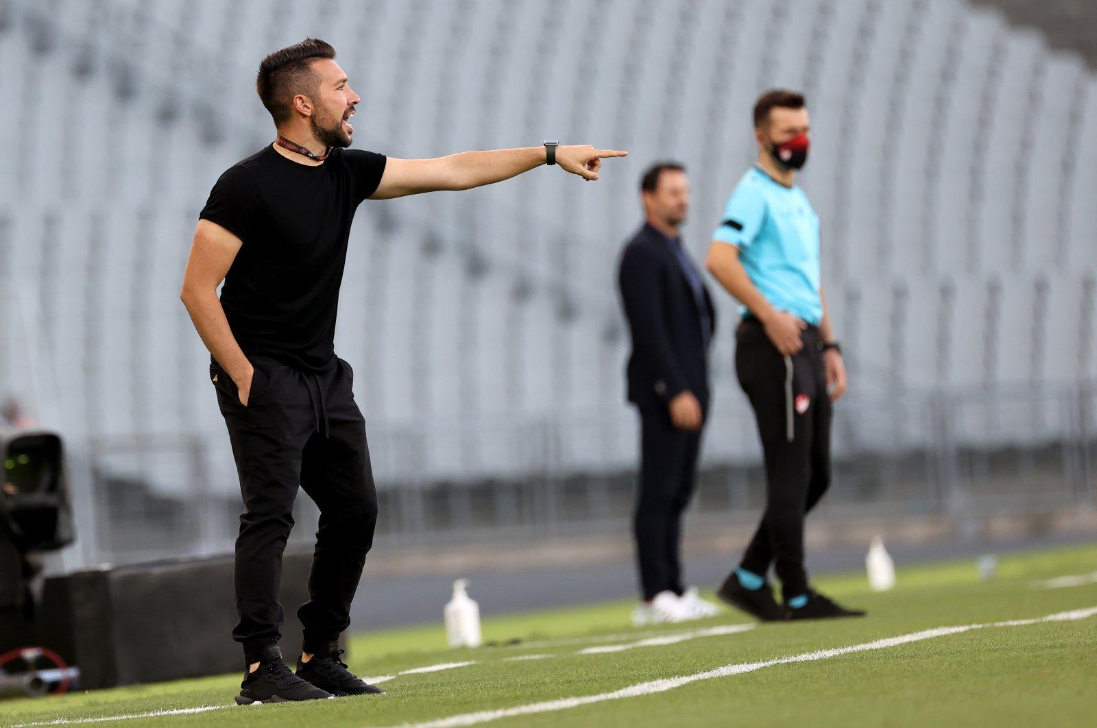 Fatih Karagümrük coach Francesco Farioli reacts during a Turkish Süper Lig match against Gaziantep at the Atatürk Olympics Stadium, Istanbul, Turkey, Aug. 14, 2021, (AA Photo)