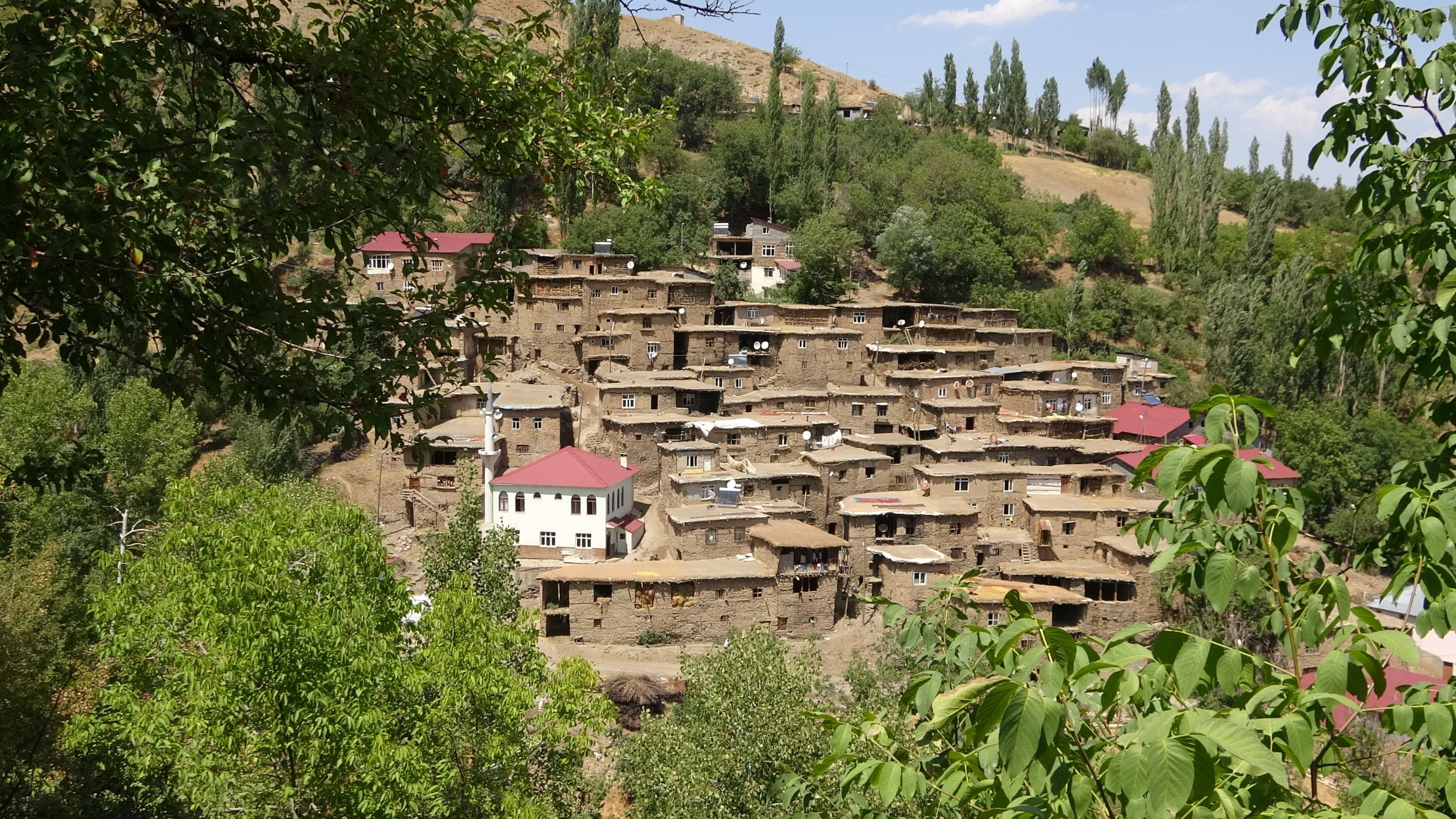 These historic 200- to 300-year-old stone houses are located in the Hizan district of eastern Turkey. (IHA Photo)