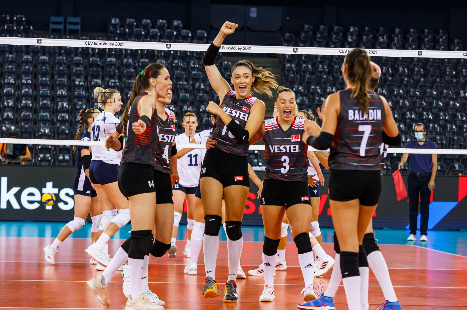 Turkey women's national team players celebrate a point against Finland in the2021 CEV Women's European Volleyball Championship, Cluj-Napoca, Romania, Aug. 23, 2021. (AA Photo)