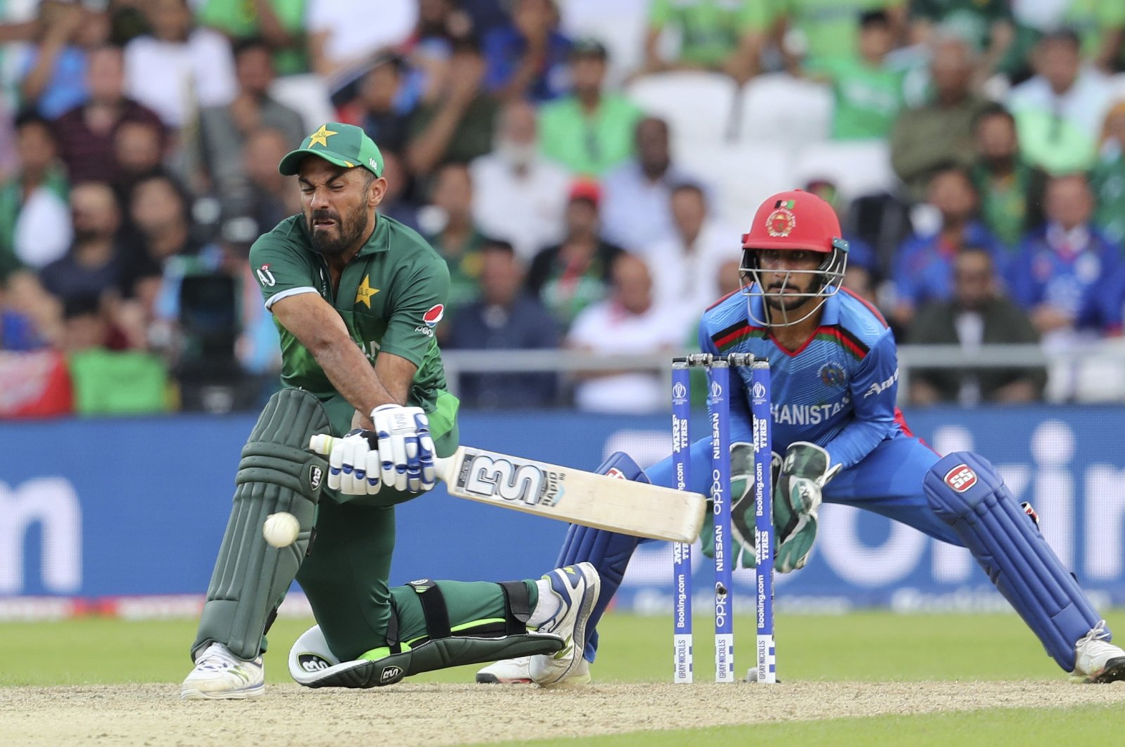 Pakistan's Wahab Riaz bats during a Cricket World Cup match against Afghanistan at Headingley in Leeds, England, June 29, 2019. (AP Photo)