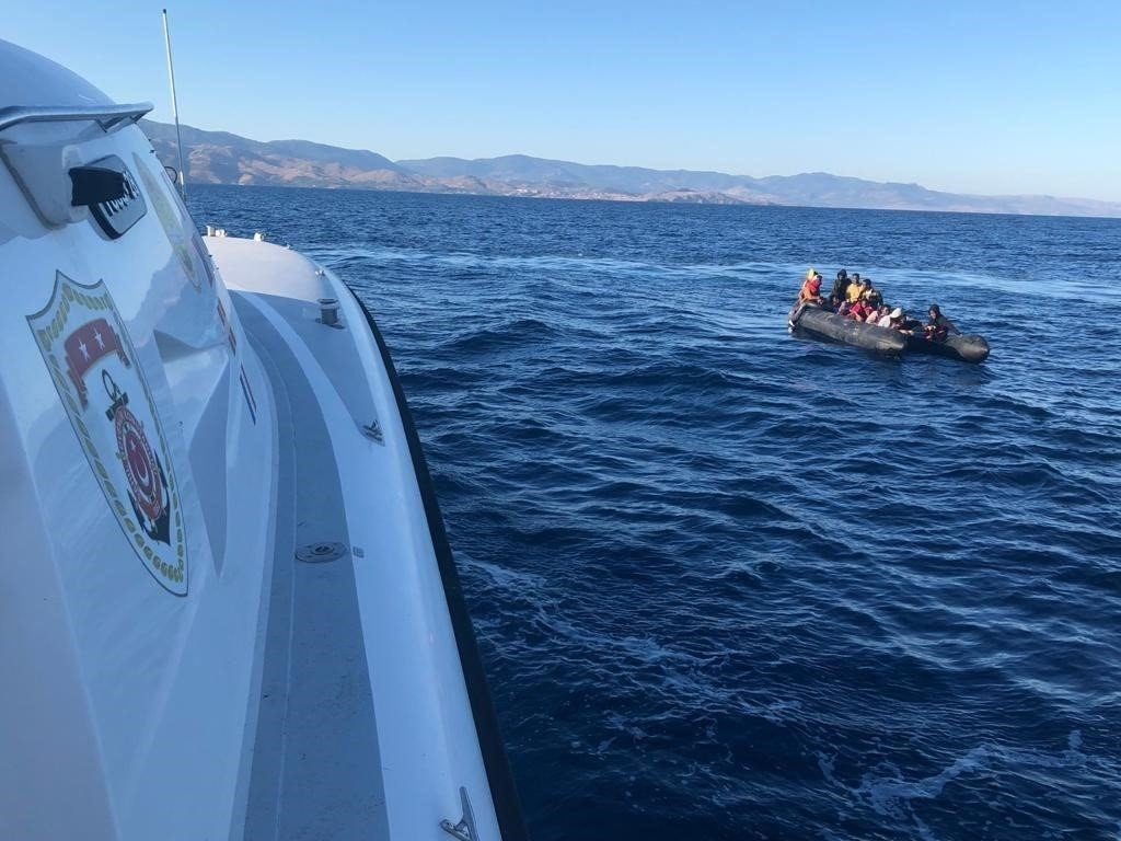 Turkish coast guard rescues irregular migrants pushed back by Greece in western Çanakkale province's Ayvacık district, Turkey, Aug. 24, 2021. (IHA Photo)